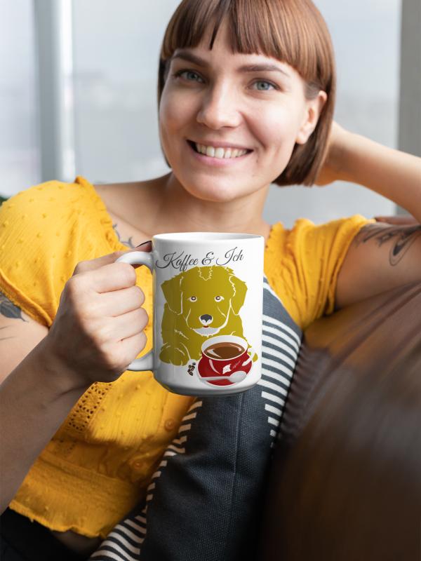 """Ganz gleich was Du am liebsten trinkst, diese exklusive """"Kaffee, Hund und ich"""" Tasse läd Dich gerne zu einem gemütlichen Entspannugsmoment ein."""
